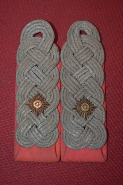 WW2 GERMAN PANZER COLONELS SHOULDER BOARDS-SOLD