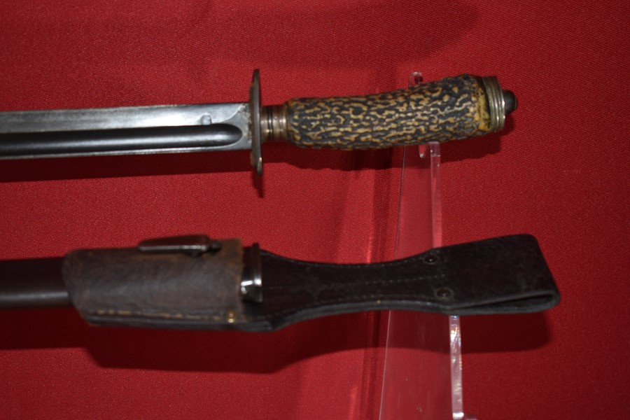 WW1 GERMAN FIGHTING KNIFE WITH STAG HANDLE.-SOLD
