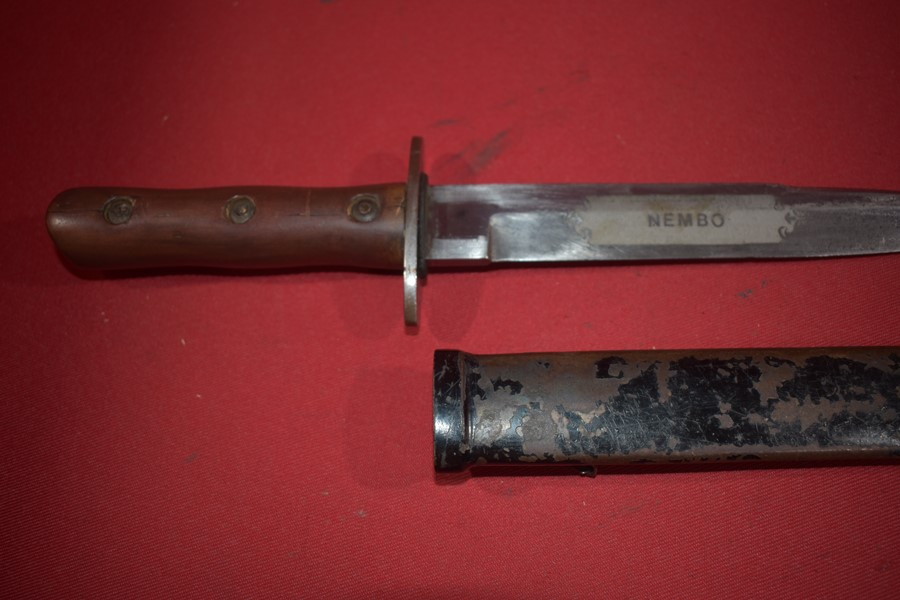 WW2 ITALIAN PARATROOPER FIGHTING KNIFE. NEMBO DIVISION. DEDICATION BLADE.-SOLD