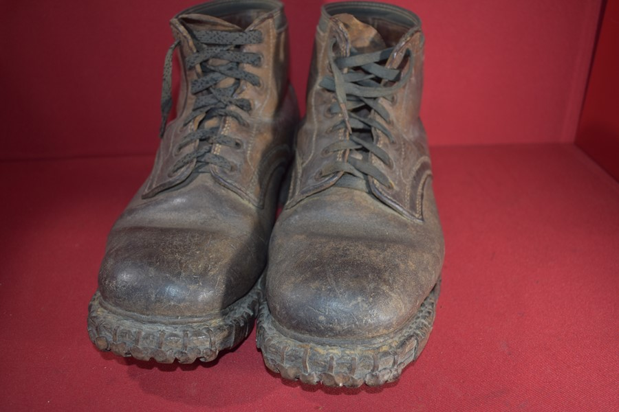 WW2 GERMAN MOUNTAIN TROOPS (GEBIRGSJAGER) CLIMBING BOOTS.