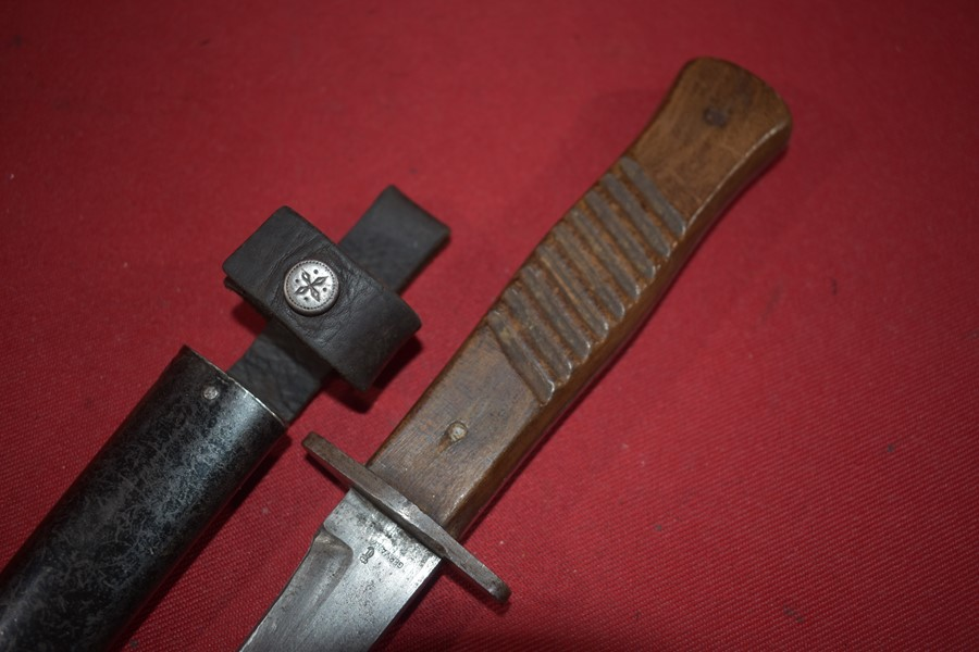 WW1 GERMAN TRENCH/FIGHTING KNIFE. f-SOLD