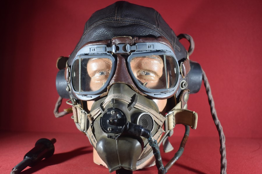 WW2 RAF/RAAF FIGHTER PILOTS LEATHER HELMET GOGGLES AND OXYGEN MASK.-SOLD
