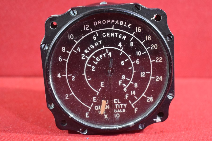 WW2 US MULTI ENGINE AIRCRAFT FUEL GAUGE EA.101.1
