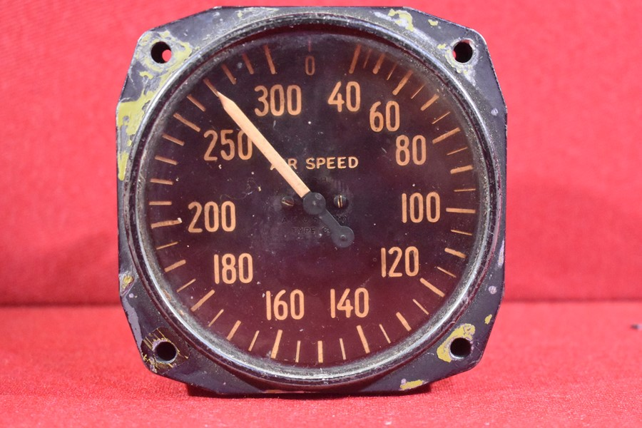 VINTAGE AIR SPEED INDICATOR 300 KNOTS BY BENDIX.-SOLD
