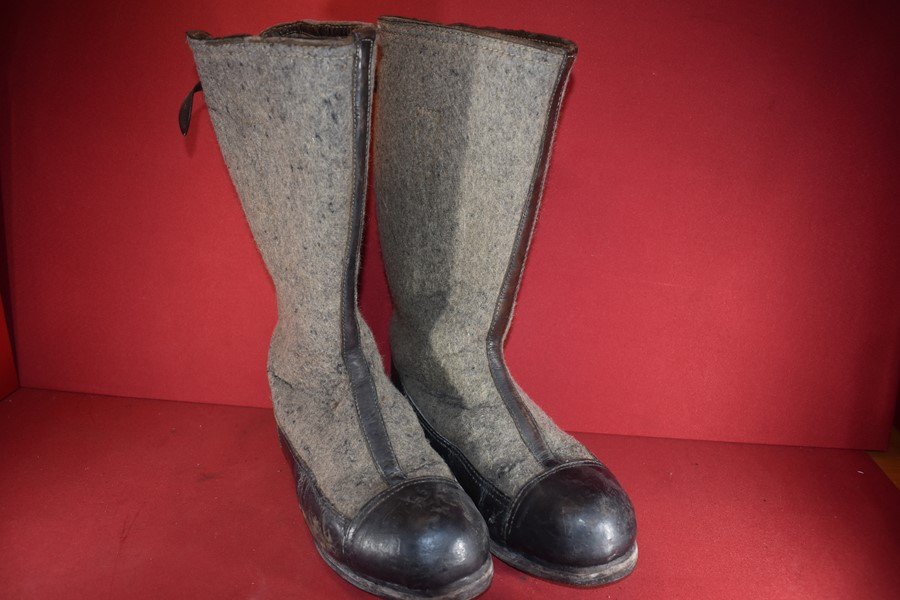 WW2 GERMAN SOLDIERS WINTER BOOTS