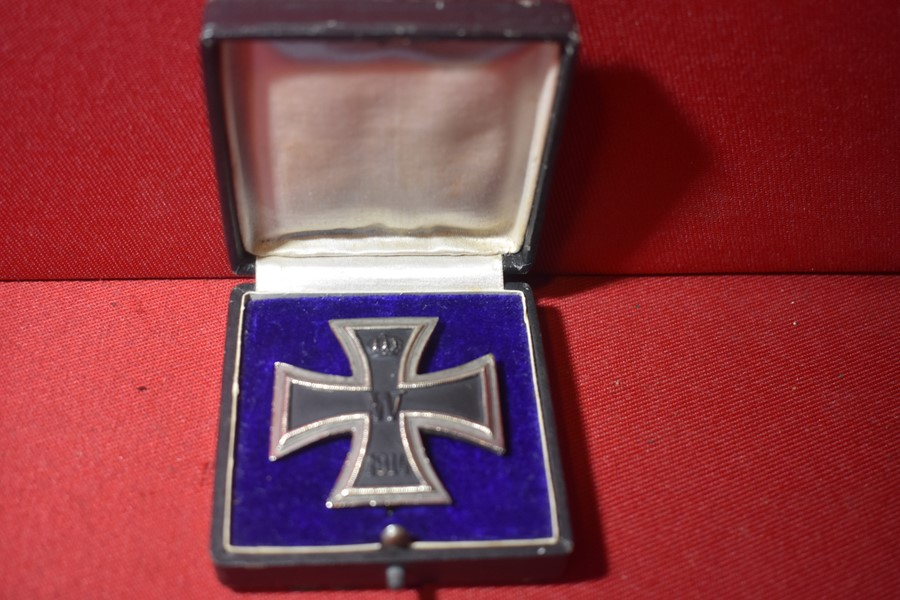 CASED WW1 GERMAN IRON CROSS FIRST CLASS-SOLD