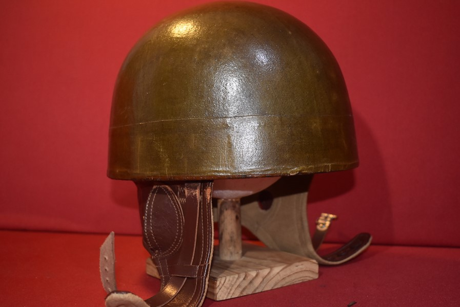 1950,s BRITISH MOTORCYCLE DESPATCH RIDERS HELMET.