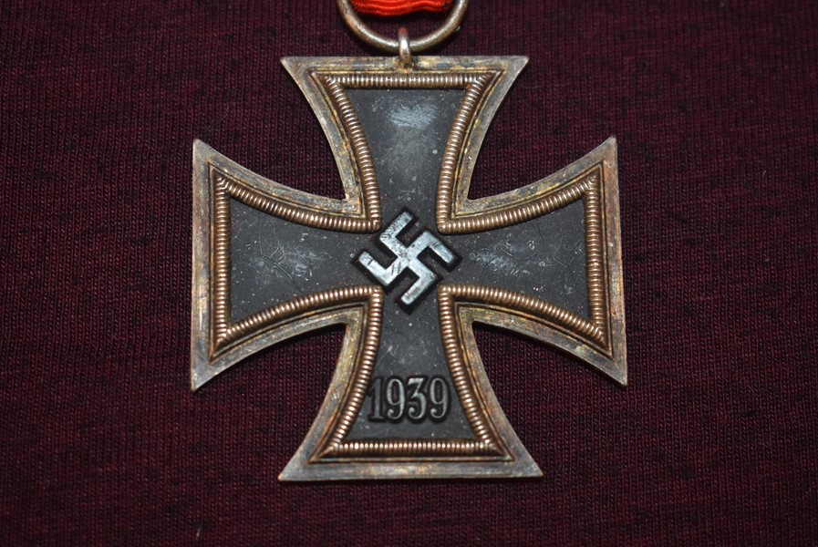 WW2 GERMAN IRON CROSS SECOND CLASS NO MAKER MARKS-SOLD