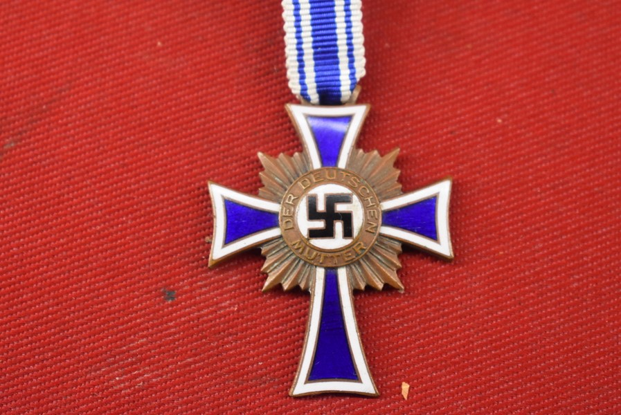 BRONZE WW2 GERMAN MOTHERS CROSS WITH RIBBON-SOLD