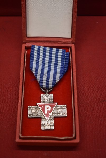 CASED POLISH AUSCHWITZ CROSS-SOLD