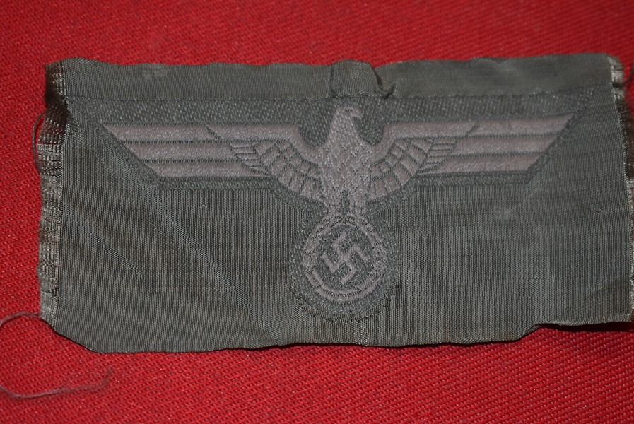 WW2 GERMAN ARMY TUNIC BREAST EAGLE-SOLD