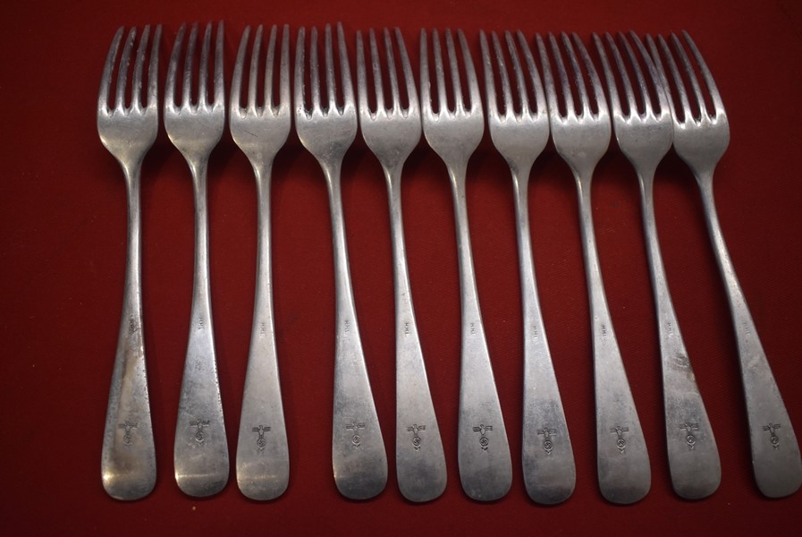 10 x WW2 GERMAN NAVY (KRIEGSMARINE) DINNER FORKS.-SOLD