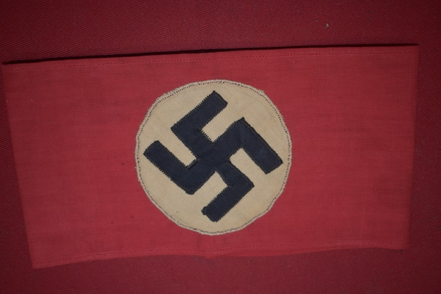 WW2 GERMAN NSDAP ARMBAND.a