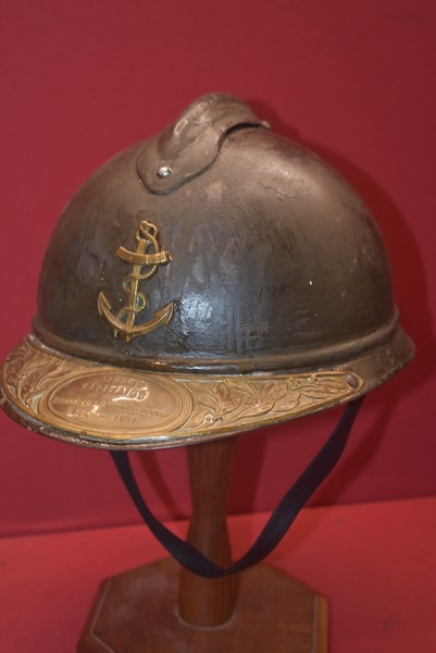 WW1 FRENCH NAVY HELMET WITH COMMEMORATIVE PLATE TO PEAK