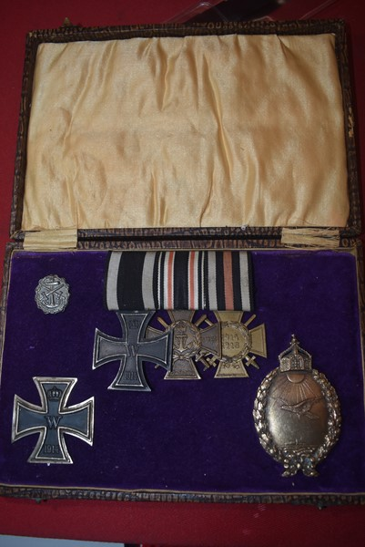 IMPERIAL GERMAN WW1 NAVY PILOT MEDAL/BADGE GROUPING-SOLD