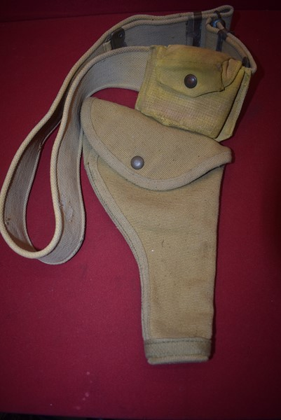 WW2 BRITISH/AUSTRALIAN WEB PISTOL HOLSTER, BELT AND AMMO POUCH